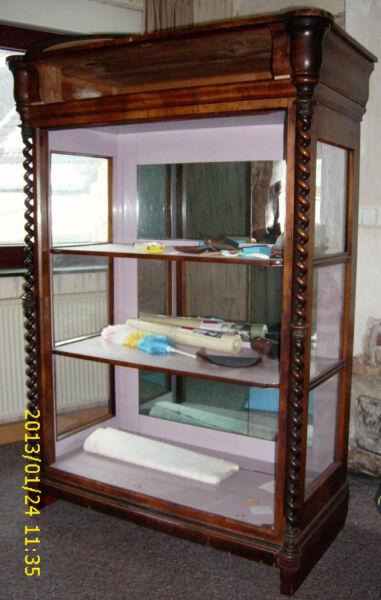 spiegel vitrine gr nderzeit jugendstil in nordrhein. Black Bedroom Furniture Sets. Home Design Ideas