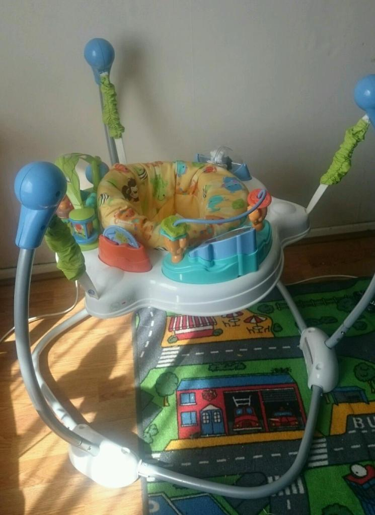 Jumperoo united kingdom gumtree for Door jumperoo