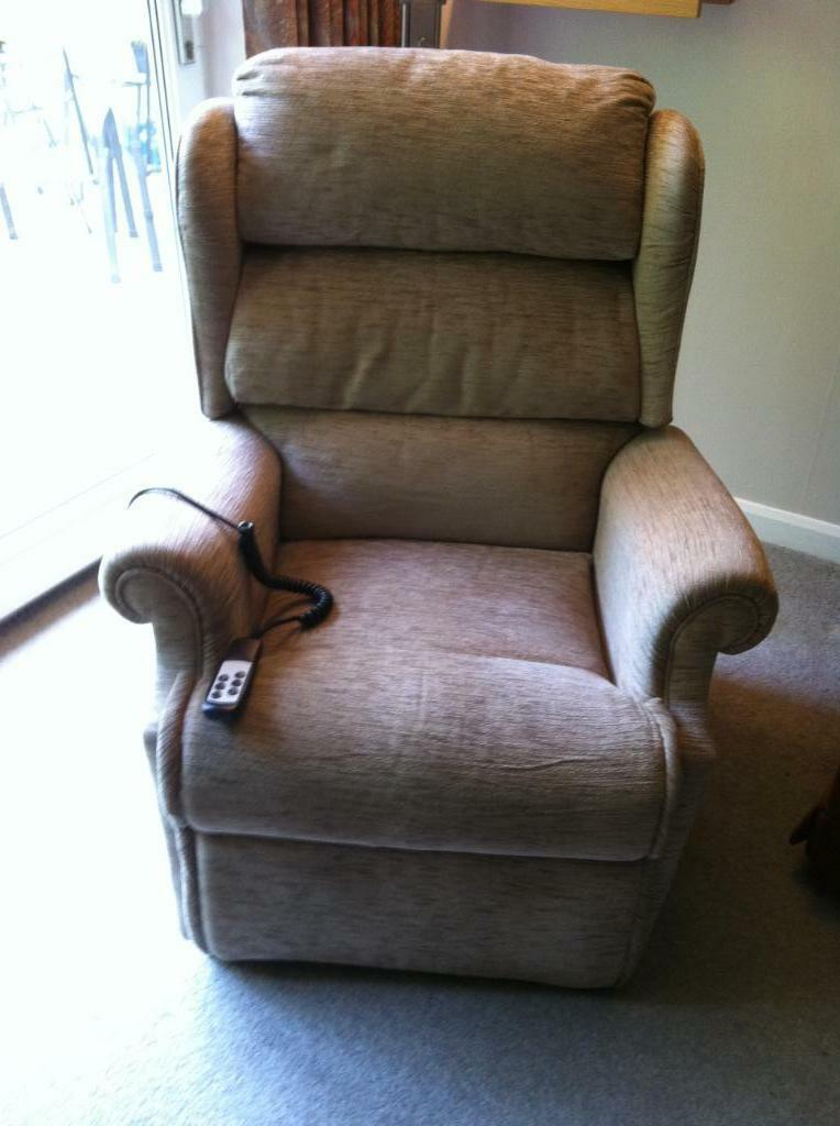 Riser recliner chair for sale electric operation reduced for Motorized chairs for sale