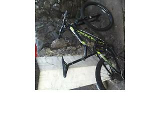 Full suspension Cannondale Jekyll mountain bike