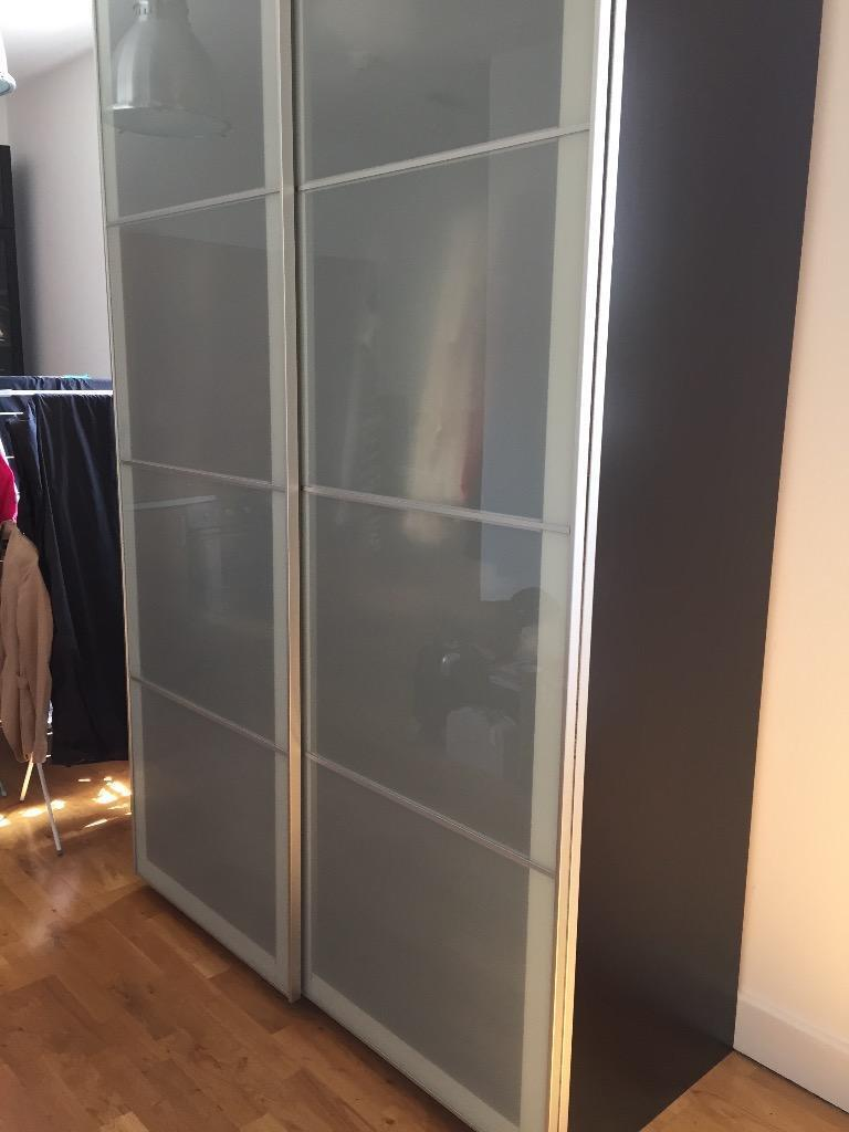 Modern ikea pax wardrobe with lots of storage space for Sliding glass doors gumtree