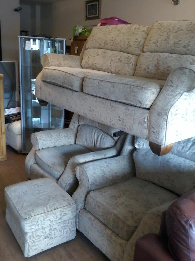 Marks And Spencer Suite 3 Seater 2 Chairs United Kingdom