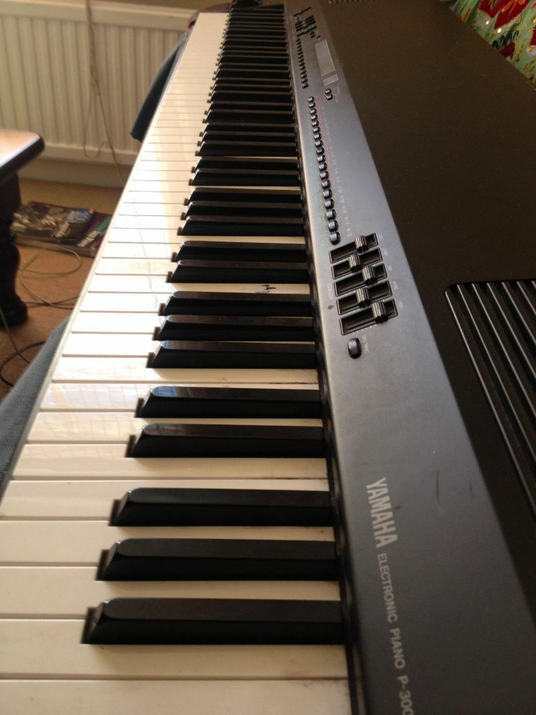 Yamaha p300 vintage keyboard 88 keys fully weighted united kingdom gumtree for Yamaha fully weighted keyboard