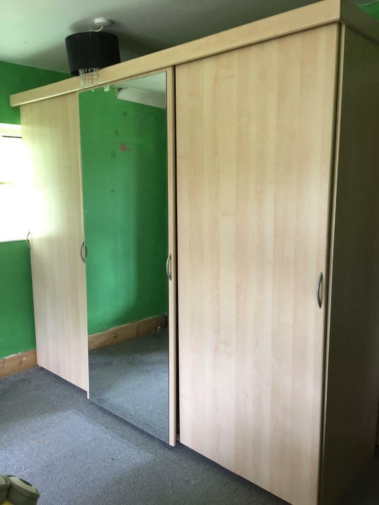3 door sliding wardrobe united kingdom gumtree for Sliding glass doors gumtree