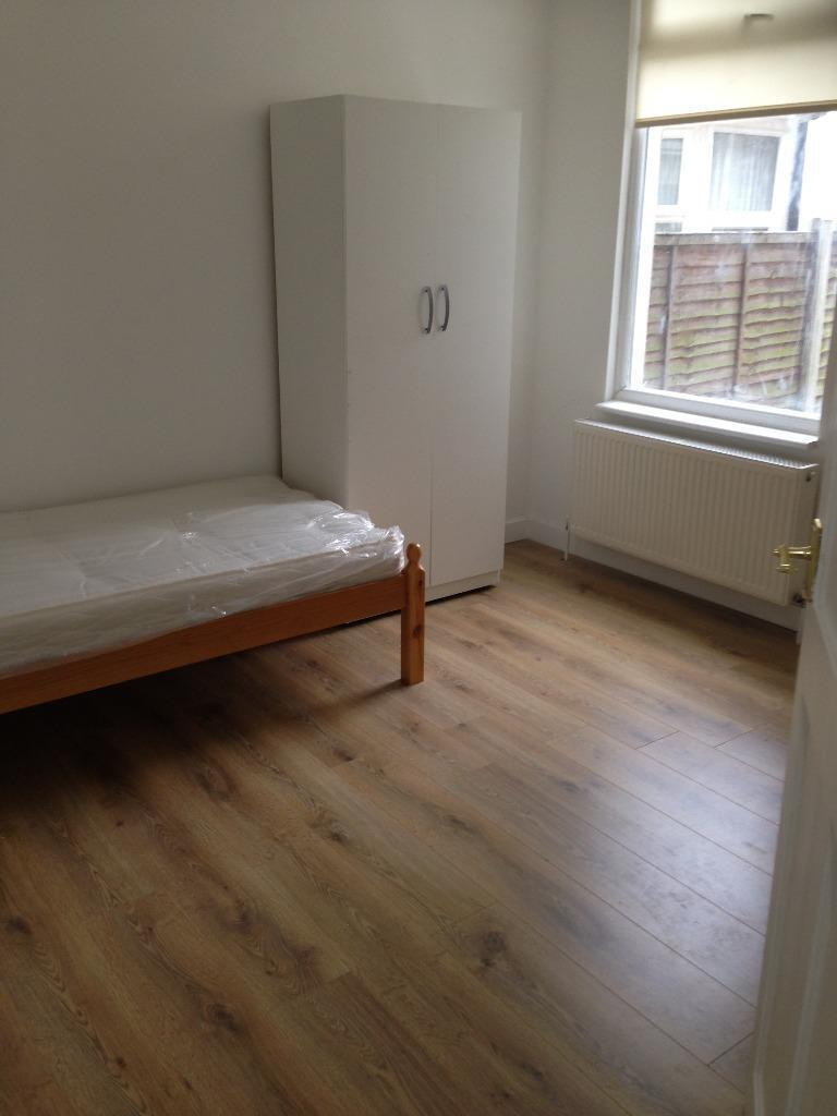 Ground Floor 3 Bed Flat To Rent In Plaistow Fully
