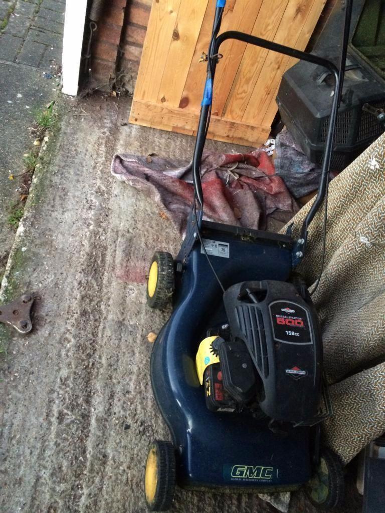petrol lawnmower briggsstratton 4 stroke 500 series with grassbox75 petrol lawnmower briggs