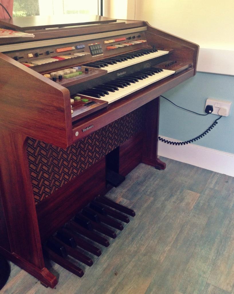 Organ technics united kingdom gumtree for Community motors hammond la