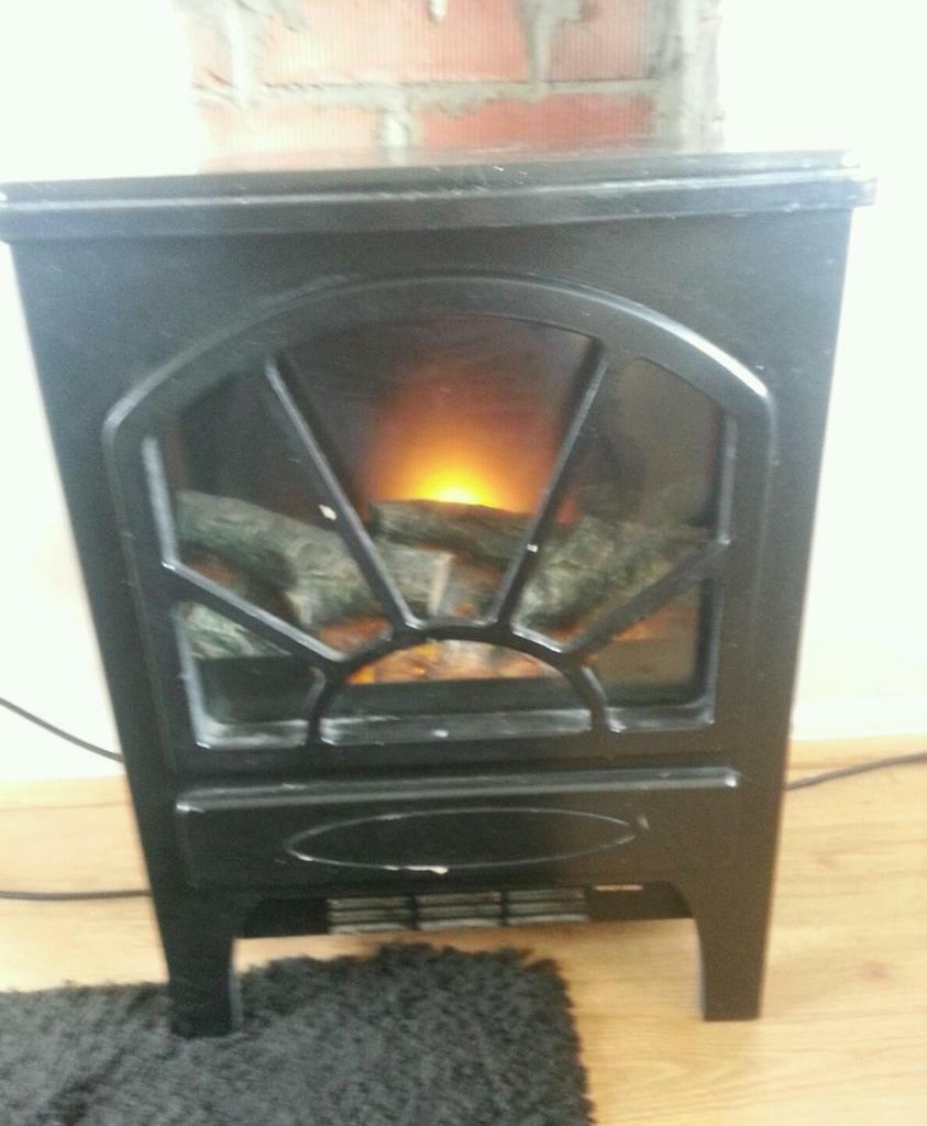 Free standing flame effect electric fire united kingdom for Affordable furniture uk newton aycliffe