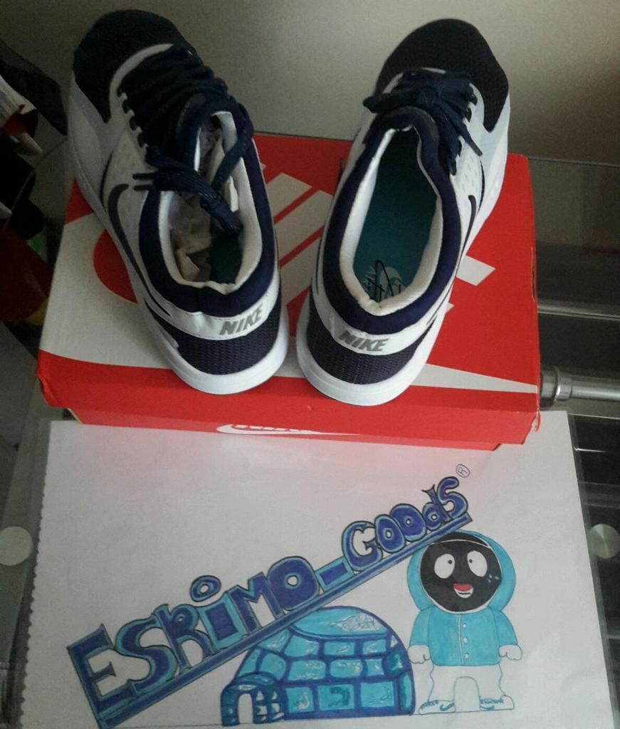 Nike Air Max Zero Size 9
