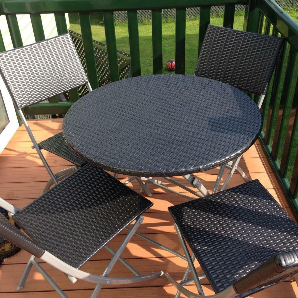 Folding rattan table and chairs united kingdom gumtree for Outdoor furniture gumtree