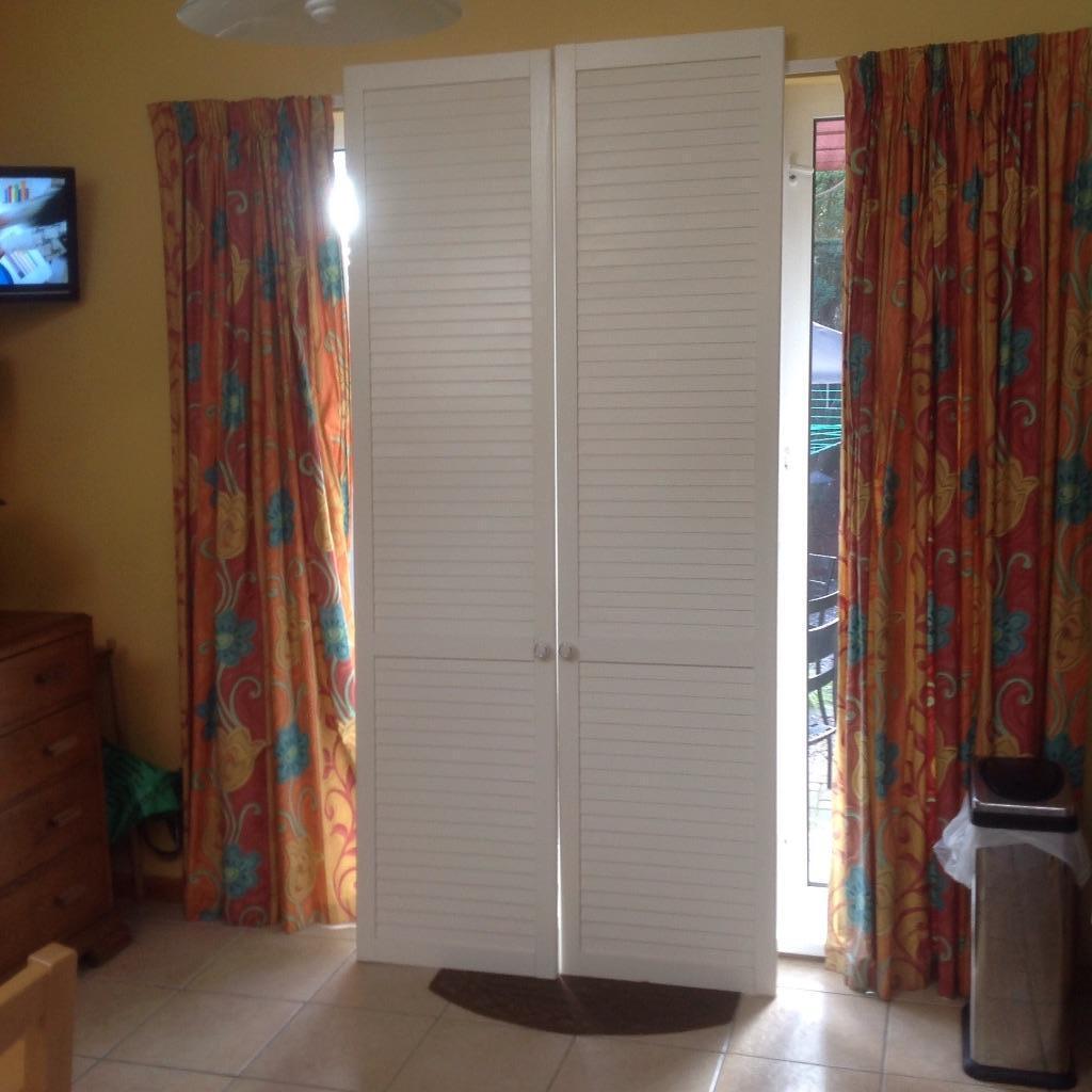 louvre doors ikea sliding slat doors plantation louvered. Black Bedroom Furniture Sets. Home Design Ideas