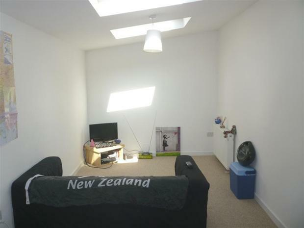 one bedroom flat to rent all bills included including internet