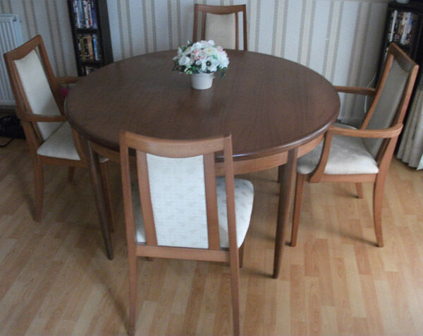 Dining Room Table And 4 Chairs Circular United Kingdom Gumtree