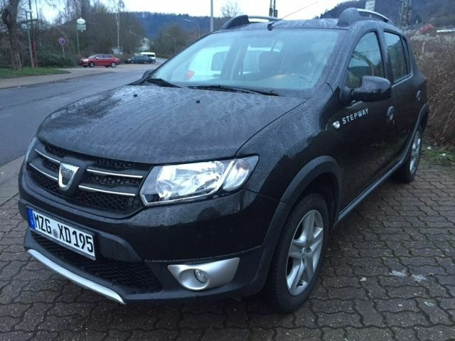 dacia sandero stepway tce 90 prestige navi leder in saarland bous dacia sandero. Black Bedroom Furniture Sets. Home Design Ideas