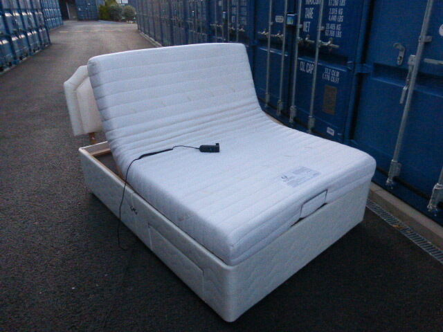 Double Adjustable Beds Electric : Excellent condition double electric adjustable bed can