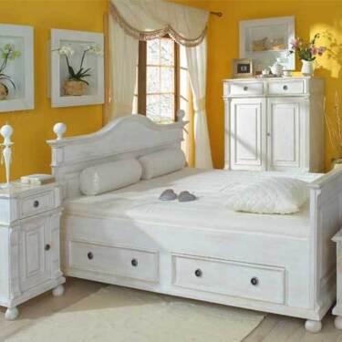 bett im modernen landhausstil massiv holz elegant. Black Bedroom Furniture Sets. Home Design Ideas