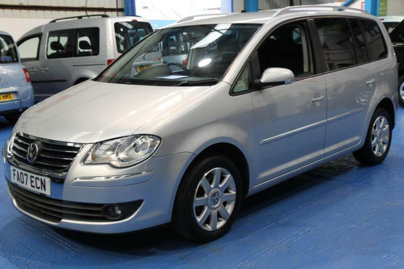 volkswagen touran 2 0tdi dsg 2007 sport 7 seat automatic auto eccles manchester gumtree. Black Bedroom Furniture Sets. Home Design Ideas
