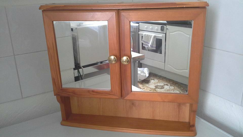 Double door pine wooden cabinet with mirrors good for for Bathroom cabinets gumtree