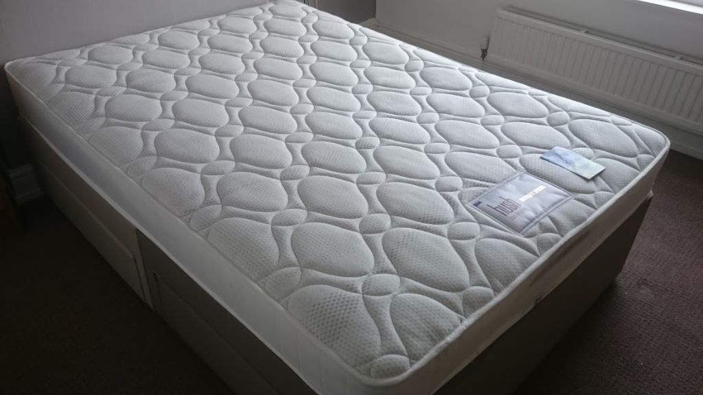 New Silentnight Double Size Divan Bed With Mattress And Storage Drawers Free Delivery Old