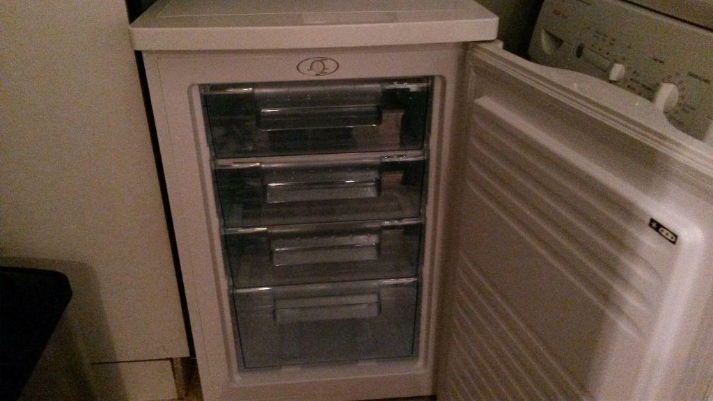 Table Top Dishwasher Hertfordshire : Under counter freezer for sale United Kingdom Gumtree