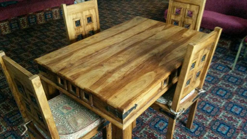 Mexican pine dining table chairs united kingdom