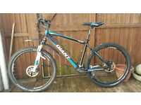 18/5 inch GIANT mountain bike good condition perfect working order bargain