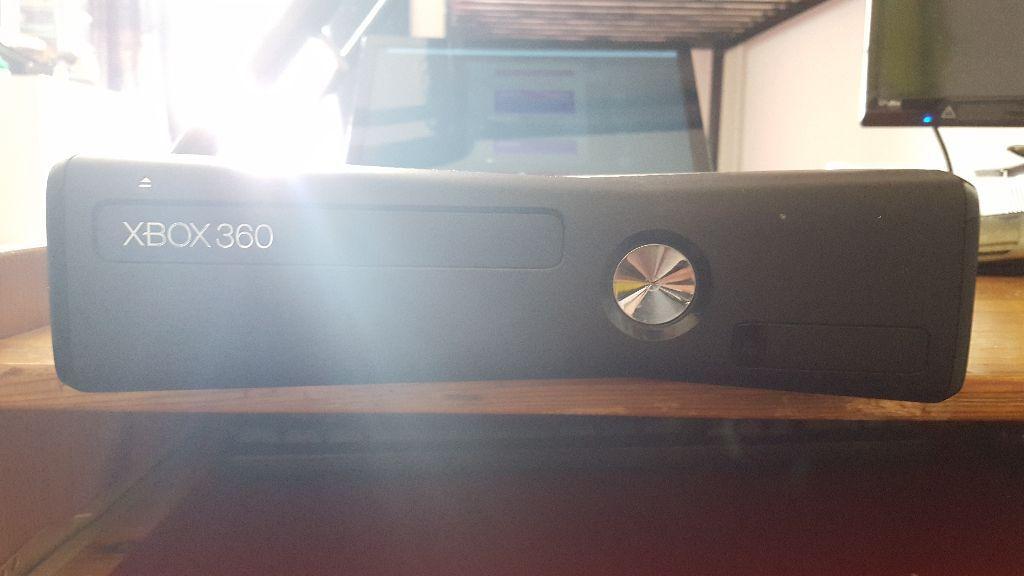 Xbox Slim 4gb vs 250gb Xbox 360 Slim With 250gb Hard