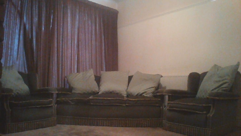 Parker Knoll 3 Piece Suite And 2 Buy Sale And Trade Ads