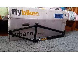 *BRAND NEW BOXED* Fly bikes URBANO 21.4 matt black bmx bike frame + extras
