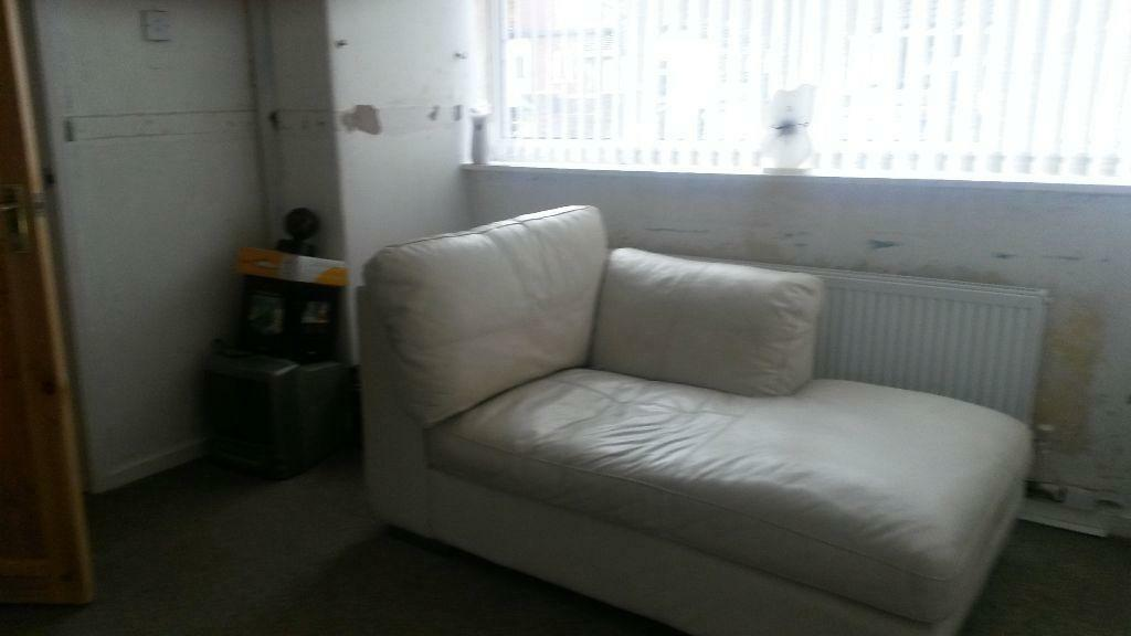 Cream Leather Sofa Chaise Buy Sale And Trade Ads
