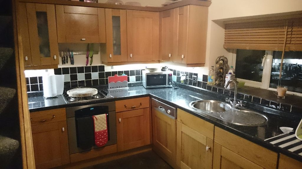 Kitchen units appliance ads buy sell used find great for Oak kitchen units for sale