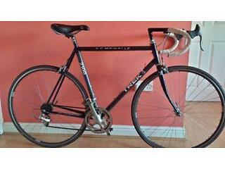 Classic Trek 2100 Composite Road bike. 56cm(22inch)Carbon fiber frame. Made in USA,14sp, 700c wheels