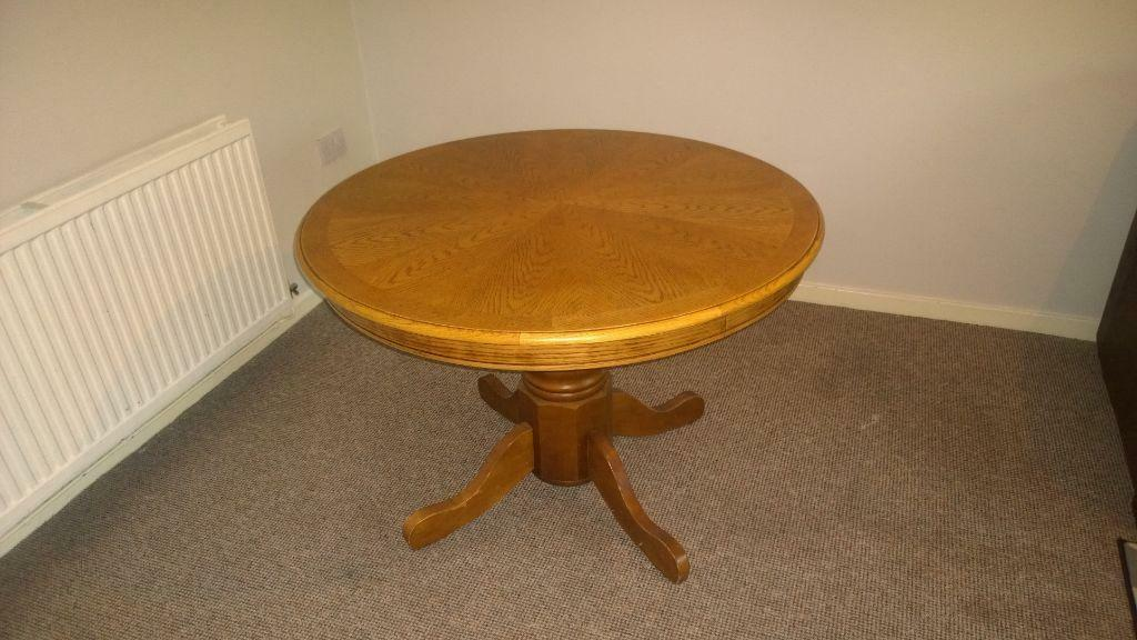 Round wooden dining table United Kingdom Gumtree : 86 from www.gumtree.com size 1024 x 576 jpeg 79kB