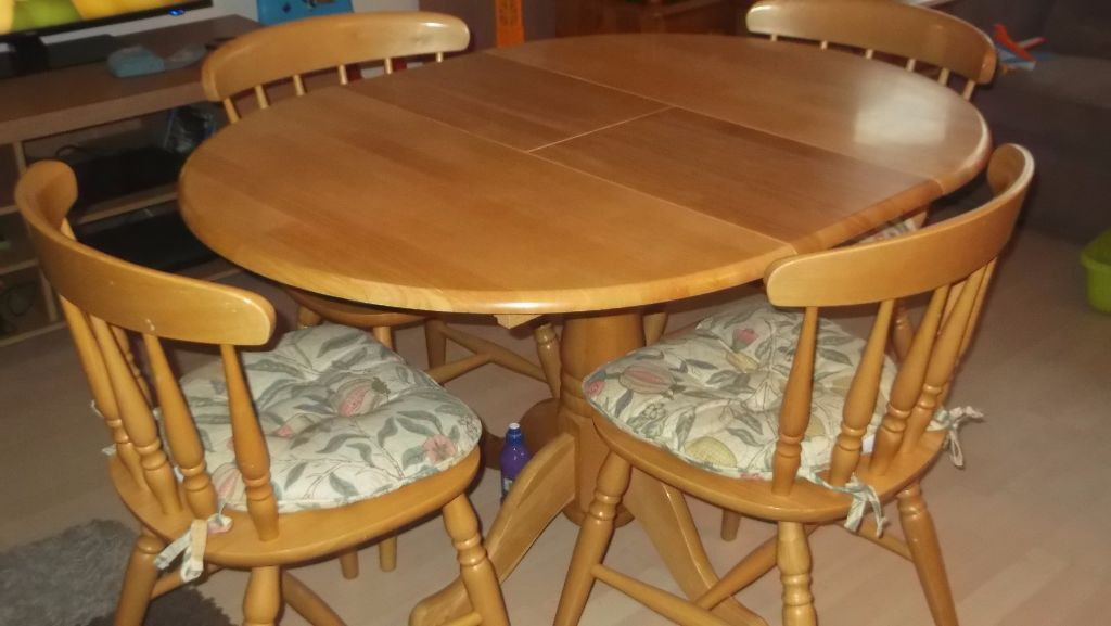 Pine round table and 4 chairs buy or sell find it used : 86 from dealry.co.uk size 1024 x 577 jpeg 65kB