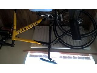 perfect condition carrera racing bike for sale