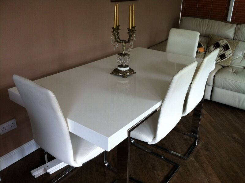 Calia White Dining Table United Kingdom Gumtree : 86 from www.gumtree.com size 800 x 597 jpeg 47kB