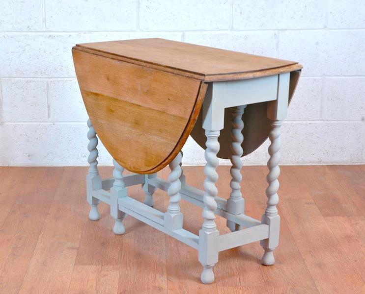 Vintage solid oak 1930 39 s drop leaf gate leg kitchen dining for Solid oak dining table with leaf