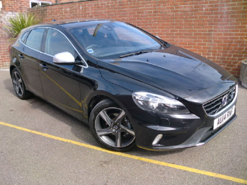 volvo v40 d2 r design 1 6 diesel manual 5 door hatchback black 2014 united kingdom gumtree. Black Bedroom Furniture Sets. Home Design Ideas