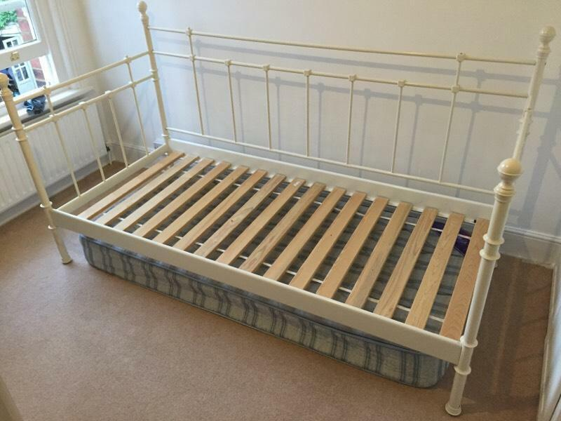 Day bed united kingdom gumtree for Gumtree bunk beds
