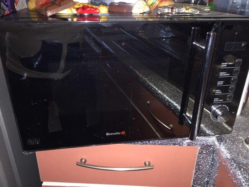 breville 800 watt 20 litre microwave united kingdom. Black Bedroom Furniture Sets. Home Design Ideas