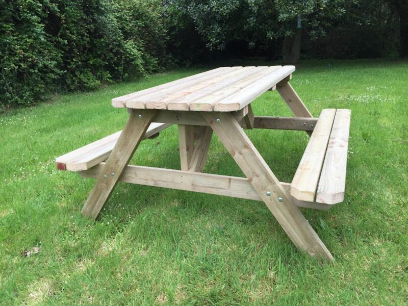 Finaghy belfast for Outdoor furniture gumtree