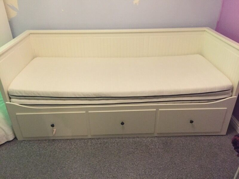 Ikea hemnes day bed pull out Buy, sale and trade ads