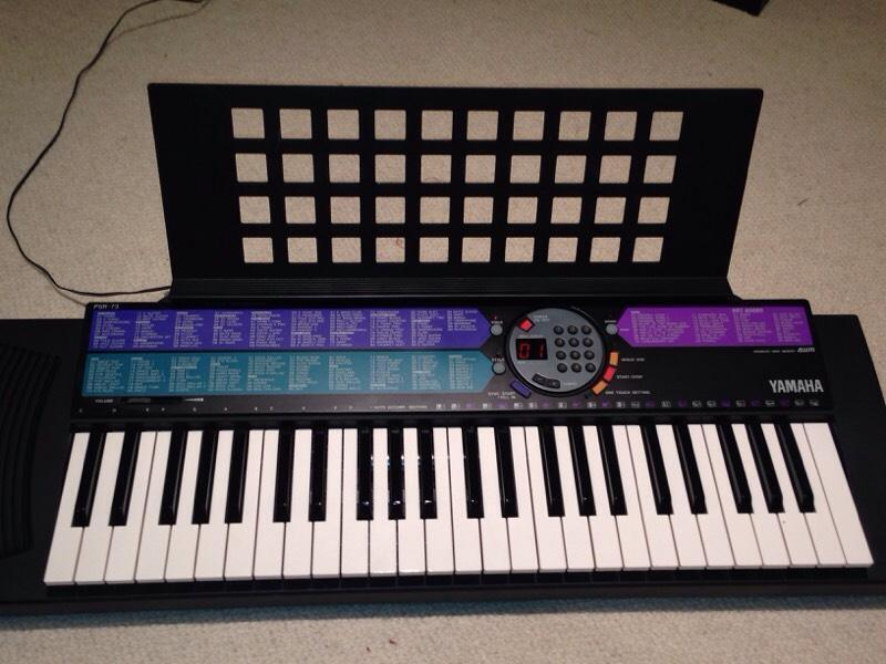 Yamaha psr 73 electric keyboard united kingdom gumtree for Yamaha psr 410 keyboard