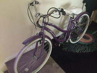 Ladies hybrid bike almost new