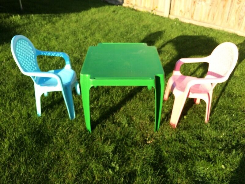 For Sale 4 Plastic Garden Chairs Buy Sale And Trade Ads