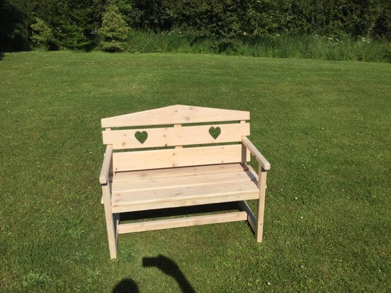 Garden bench united kingdom gumtree for Outdoor furniture gumtree