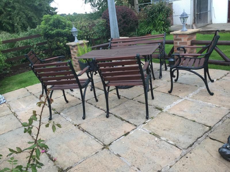 Cast iron patio set united kingdom gumtree for Outdoor furniture gumtree