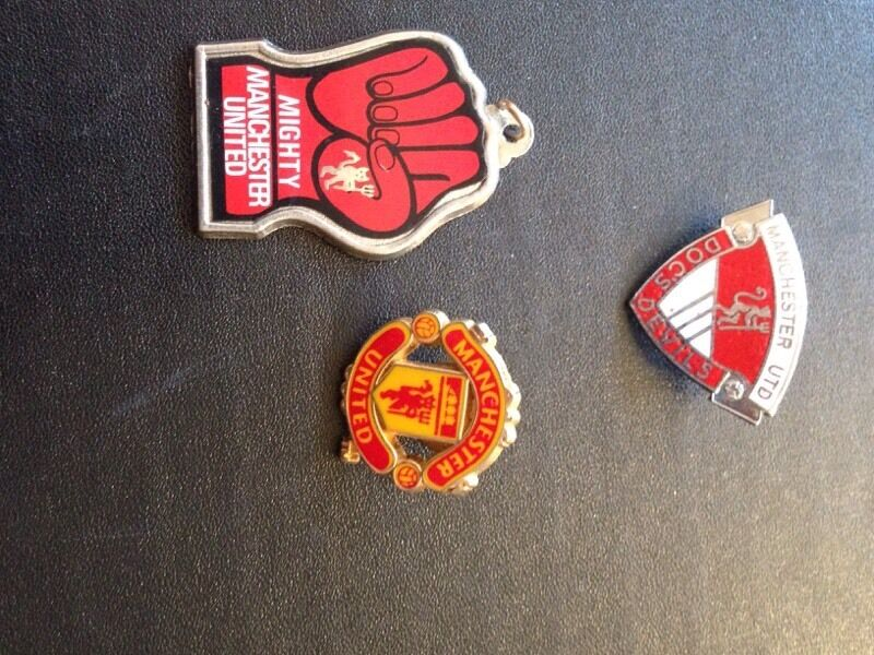 Manchester United First Badge Manchester United Pin Badges