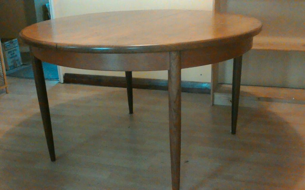 Extending round table United Kingdom Gumtree : 86 from www.gumtree.com size 1024 x 640 jpeg 50kB