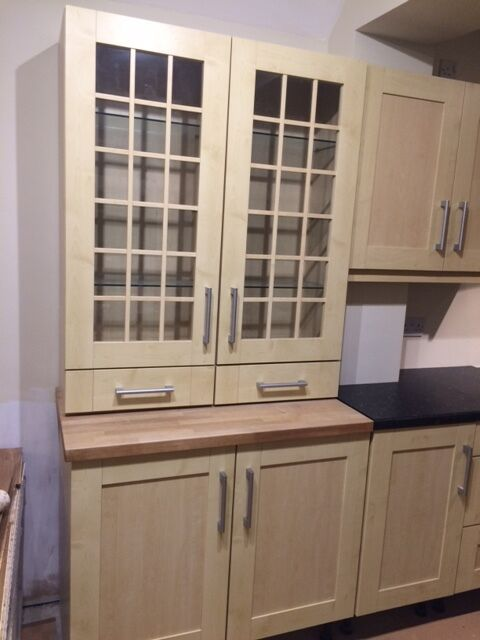 Kitchen units shaker style in maple shaker style used for Separate kitchen units